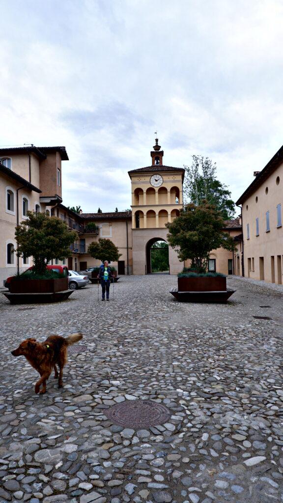 Palazzo Rossi sulla Via degli dei