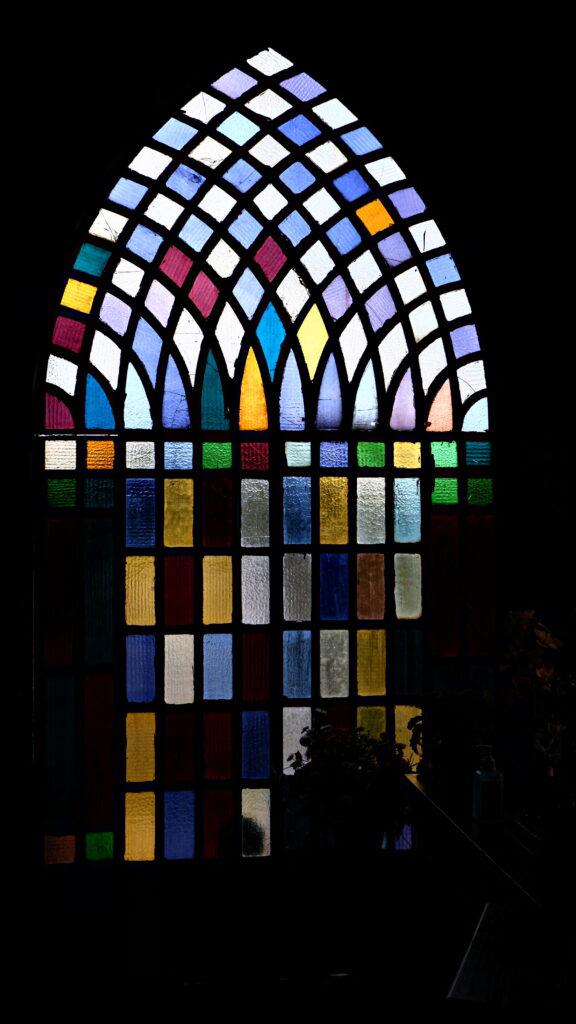 Le finestre della chiesa della Madonna della Guardia