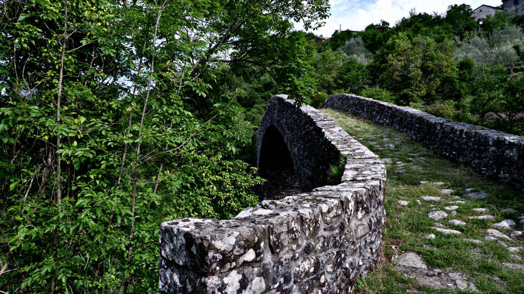 Ponte medievale Groppodalosio